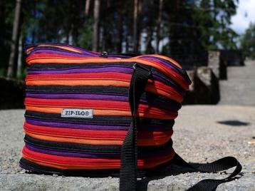 Zip-Ilo Duo olkalaukkuun voit valita mitä herkullisimpia väriyhdistelmiä.
