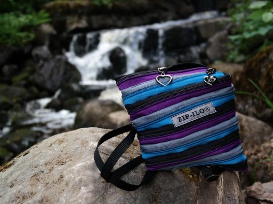 Zip-Ilo Duo Työpussukka sisältää kaikkiaan 4 eri taskua.